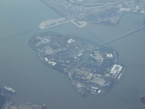 Rikers_Island_Aerial_Russ_Nelson_Flickr-336x252
